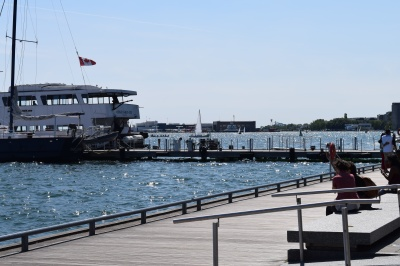 A sunny day on the Toronto Harbour