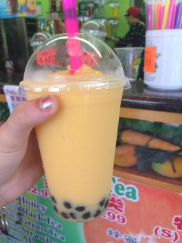 Mango bubble tea: perfect for a warm day!